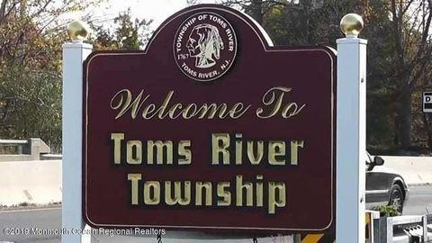 Photo of 3292 Springer Ln, Toms River, NJ 08755
