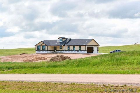 Photo of 1692 N Ridge Dr, Cheyenne, WY 82009