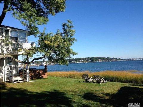 8 Seawanhaka Pl, Oyster Bay, NY 11771