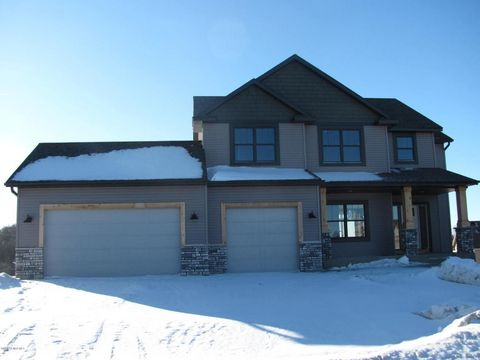1860 Esther Ln Sw, Rochester, MN 55902