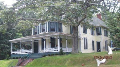 Photo of 9 Prospect Ave, Shelter Island Heights, NY 11965