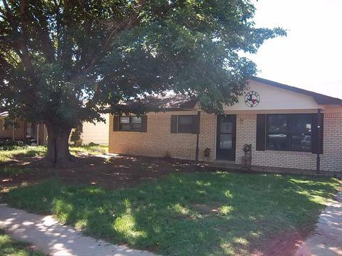 216 Darrell Ave, Levelland, TX 79336