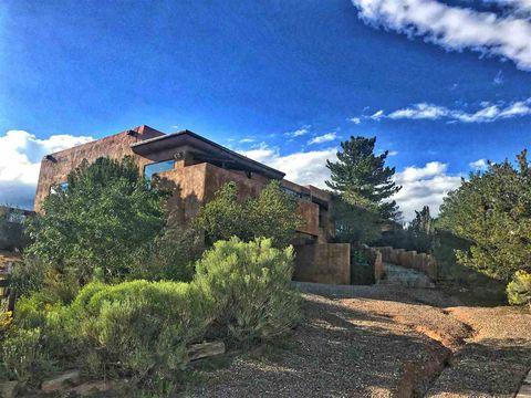 Photo of 229 Valle Del Sol Dr, Santa Fe, NM 87501