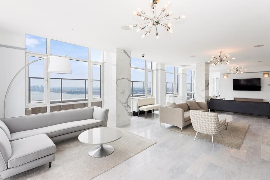 635 W 42nd St Unit 20 Ss, New York, NY 10036