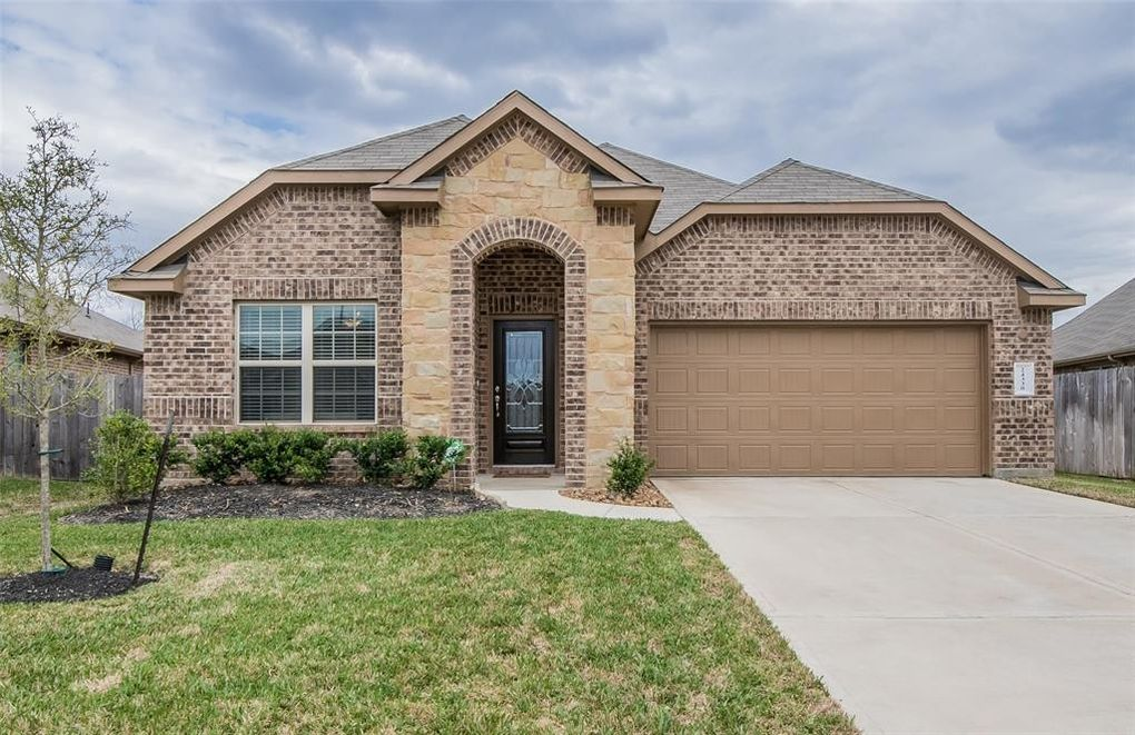 24330 S Newcastle Bay Trl, Spring, TX 77389