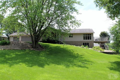 35 Four Winds Dr, Clear Lake, IA 50428