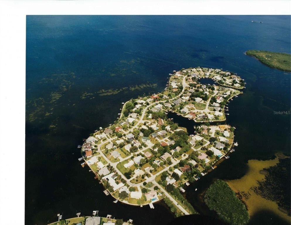 107 Carlyle Cir Palm Harbor, FL 34683