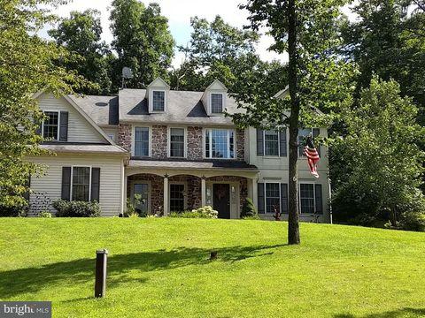 312 Quaker Hill Rd, Morgantown, PA 19543