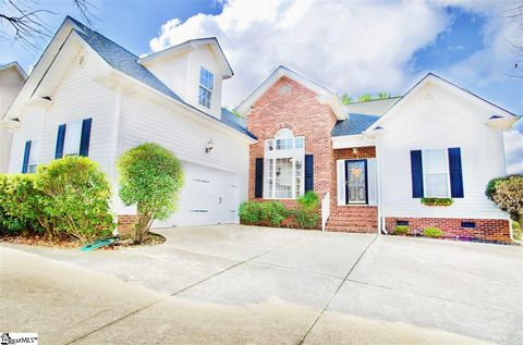 Photo of 401 Meadow Hill Way, Greer, SC 29650