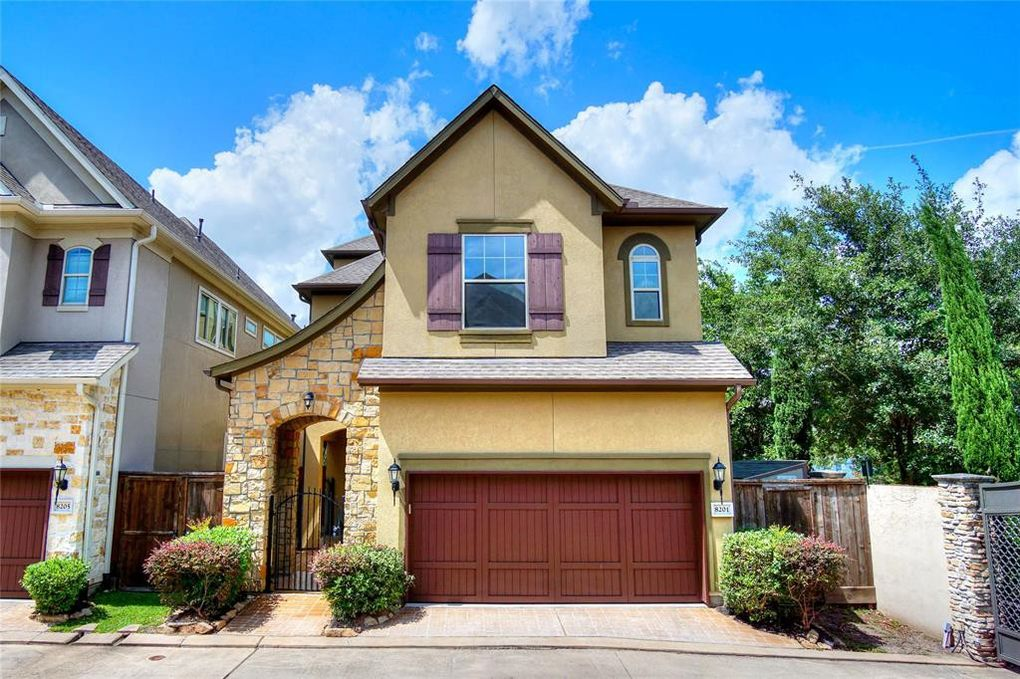 8201 Cabernet Ln Houston, TX 77055