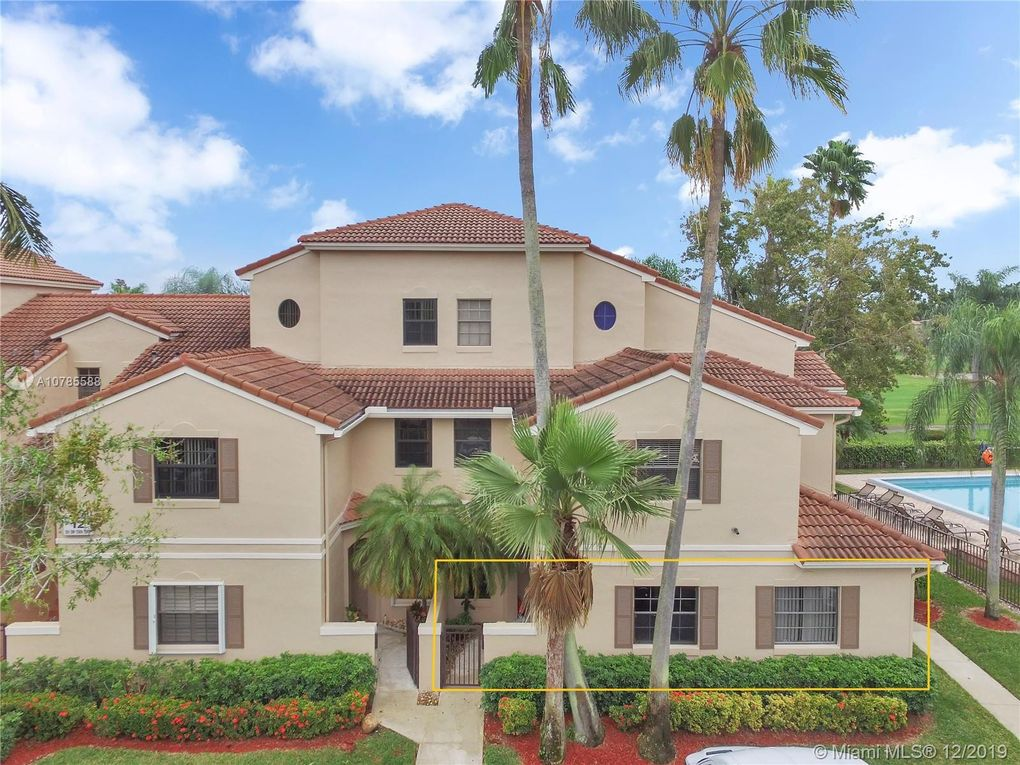 501 SW 158th Ter Apt 104 Pembroke Pines, FL 33027