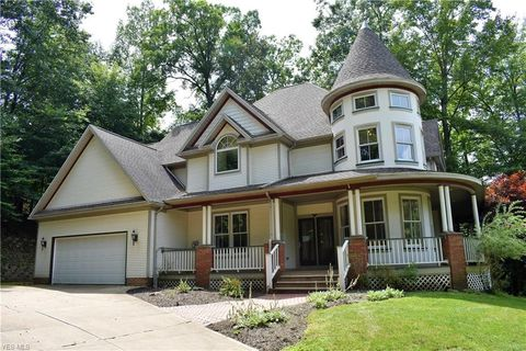 Photo of 8851 Spring Valley Dr, Broadview Heights, OH 44147