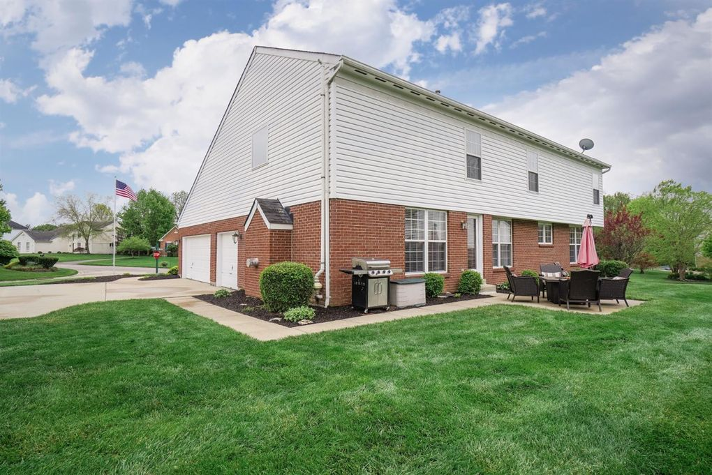 5069 Fieldside Dr, Union Township, OH 45244
