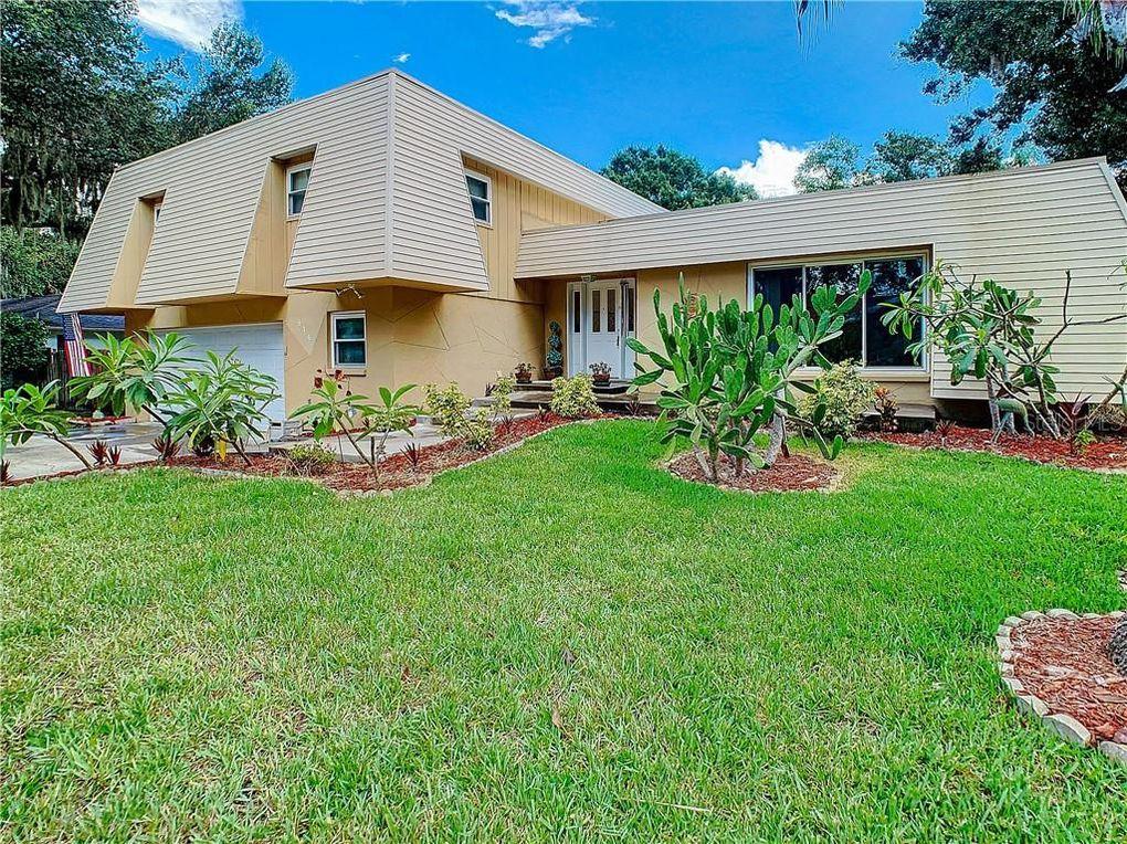 916 Highview Dr Palm Harbor, FL 34683