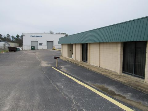 Photo of 1090 Pine Log Rd E, Aiken, SC 29803