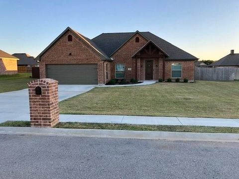 Photo of 704 Shirley Jean Ln, Collinsville, TX 76233