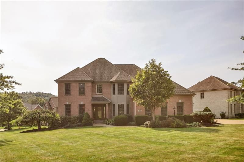 204 Dorsay Valley Dr Cranberry Township, PA 16066