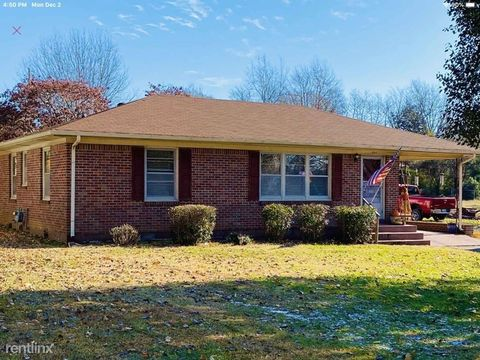 Photo of 331 Reed St, Portland, TN 37148