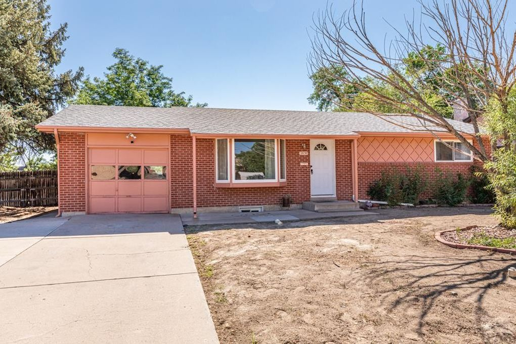 2630 Lynwood Ln Pueblo, CO 81005