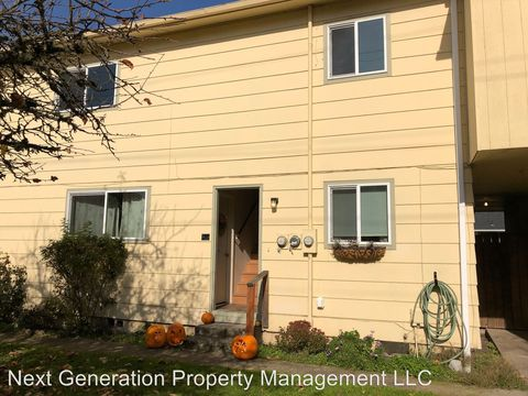 Photo of 486 1/2 W N St, Springfield, OR 97477