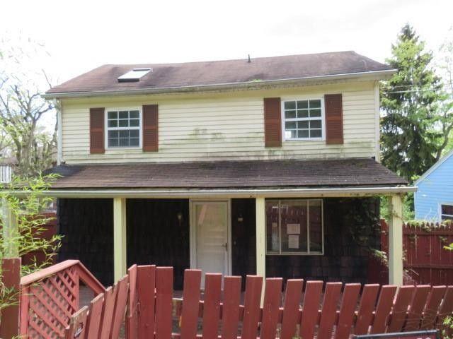 734 Negley Ave Turtle Creek, PA 15145