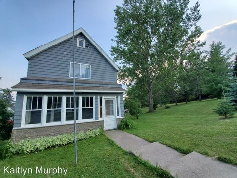 Photo of 2818 Wellington St, Duluth, MN 55806