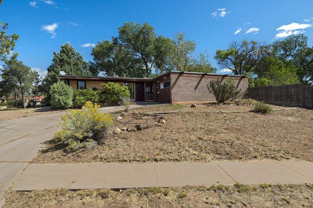 2610 Alamosa St Santa Fe, NM 87505