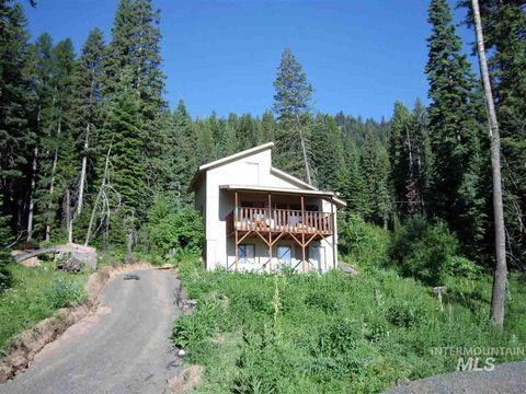 Photo of 1598 Bear Trail Loop, Cascade, ID 83611