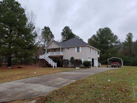 Photo of 926 Signal Point Rd, Guntersville, AL 35976