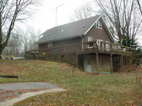 Photo of 944 E Harvest Church Rd, Bloomfield, IN 47424
