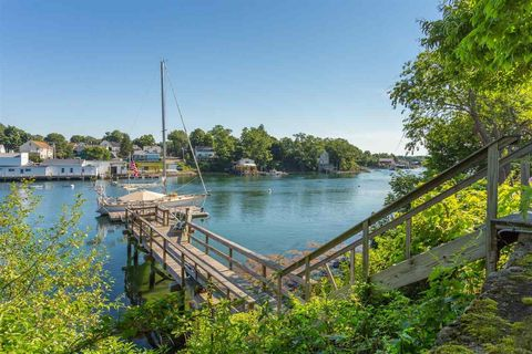 Photo of 28 Island Ave, Kittery, ME 03904