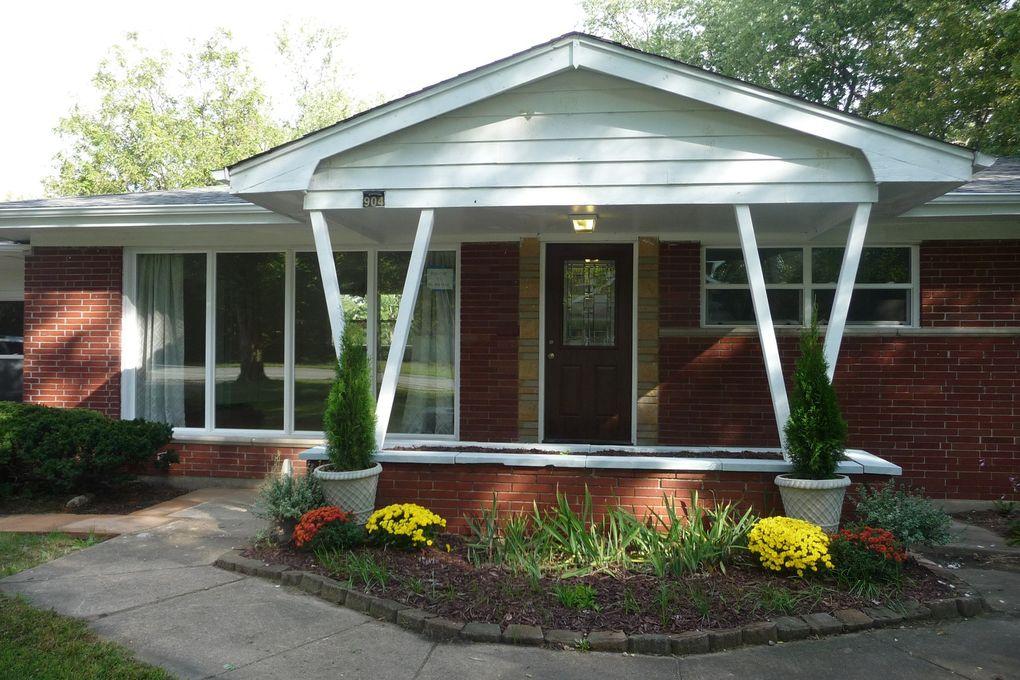 904 Holbrook Rd Homewood, IL 60430