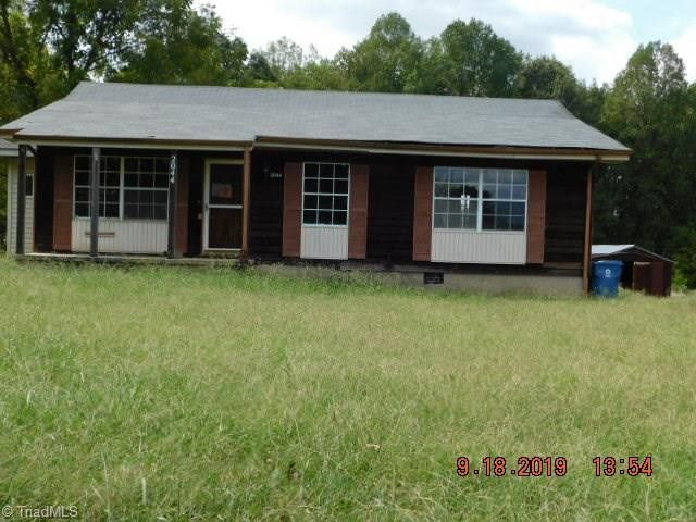 2044 Brooklyn Ave Ramseur, NC 27316