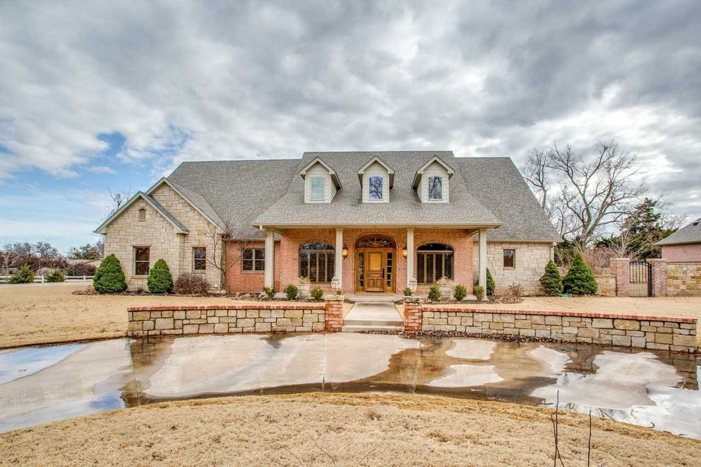 3727 Oakwood Ct Enid, OK 73703