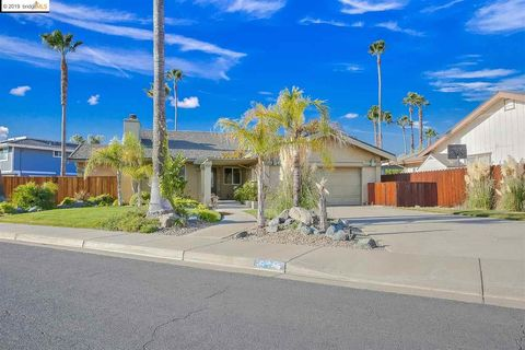 Photo of 5545 Drakes Ct, Discovery Bay, CA 94505