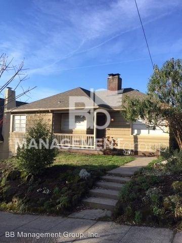Photo of 4205 Ne 18th Ave, Portland, OR 97211