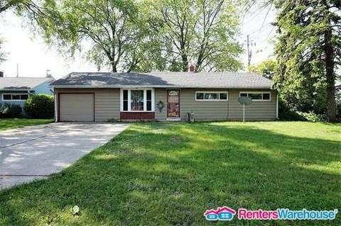 Photo of 405 W Sugar Ln, Glendale, WI 53217