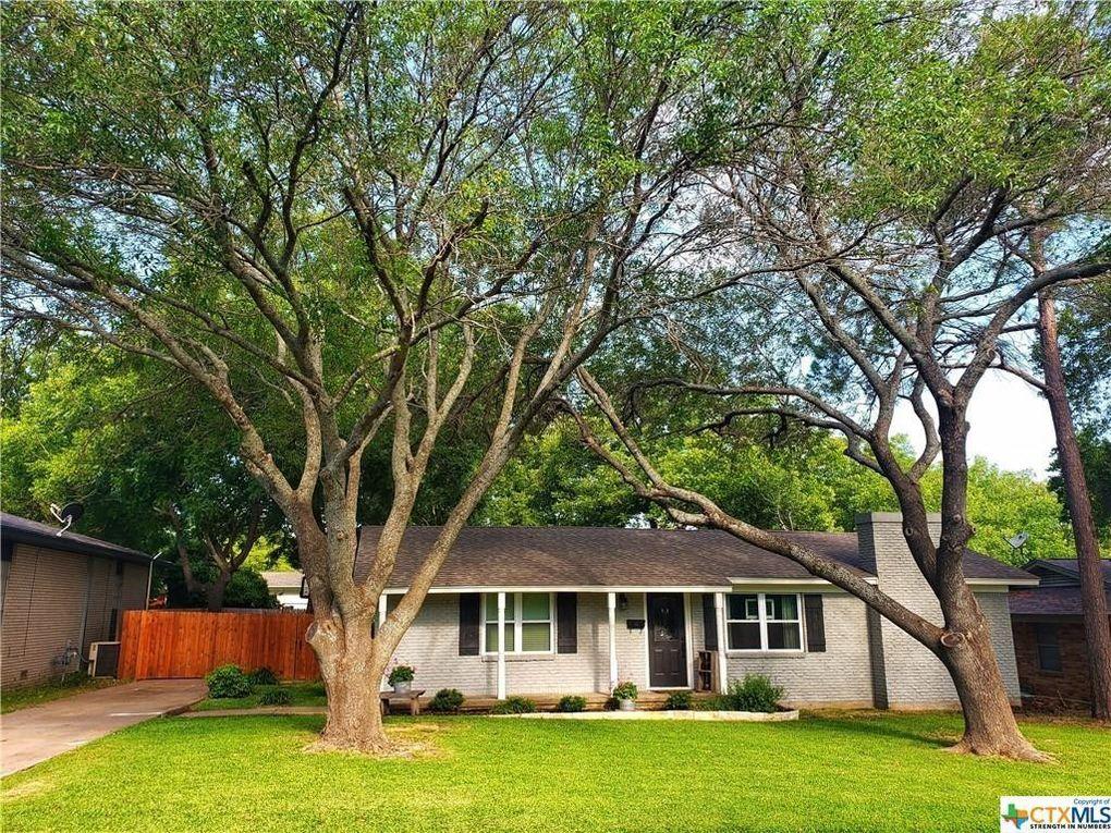 119 N 30th St Gatesville, TX 76528