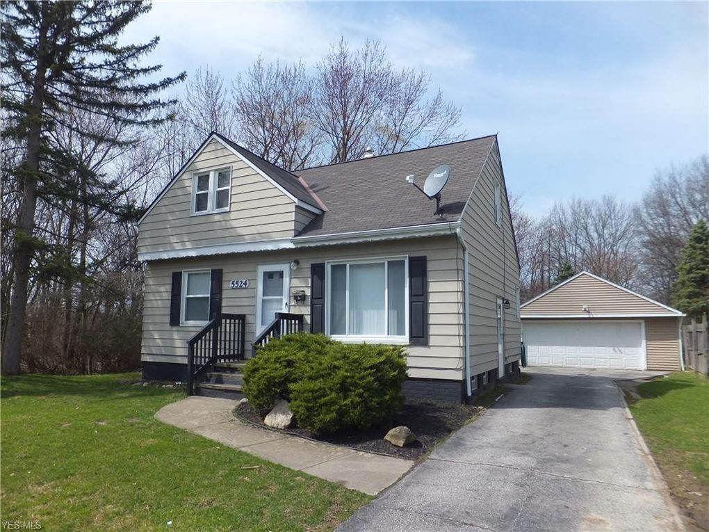 5524 Morgan St Maple Heights, OH 44137