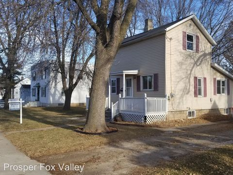 Photo of 614 Maple St, Neenah, WI 54956