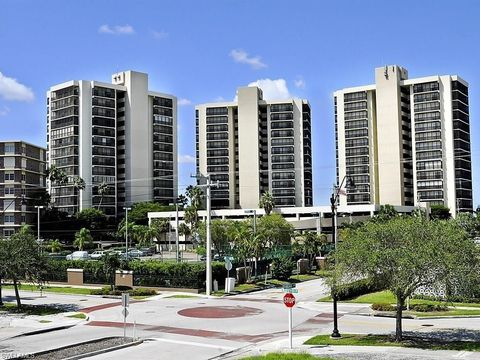 Photo of 1900 Virginia Ave Apt 902, Fort Myers, FL 33901