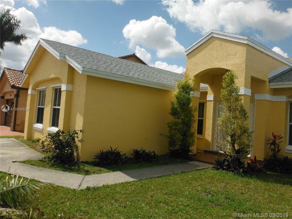 902 Nw 133rd Ct, Miami, FL 33182