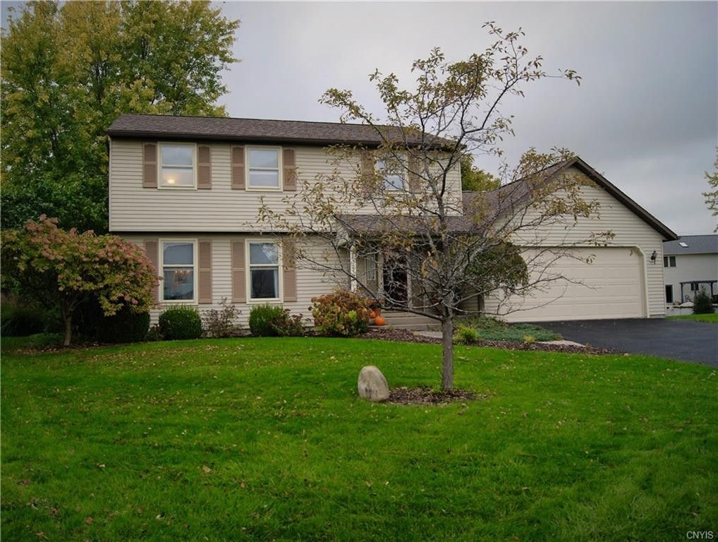 8323 White Cedar Cir Clay, NY 13090