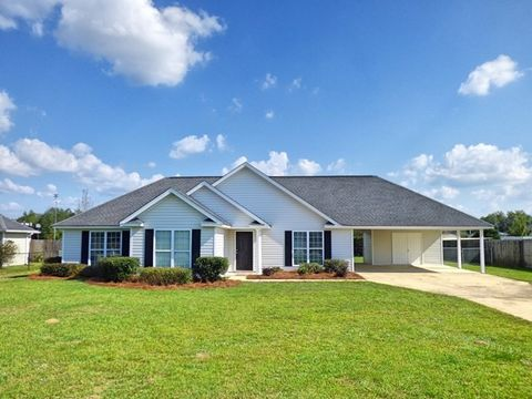 355 Owens Rd, Fort Mitchell, AL 36856