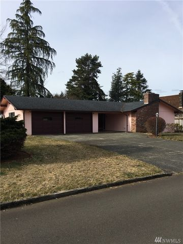 Photo of 1 Trinity Pl, Cosmopolis, WA 98537