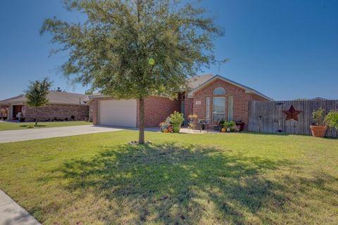 711 N Burleson, Stanton, TX 79782