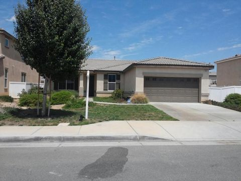 3041 Louise Ave, Lancaster, CA 93536