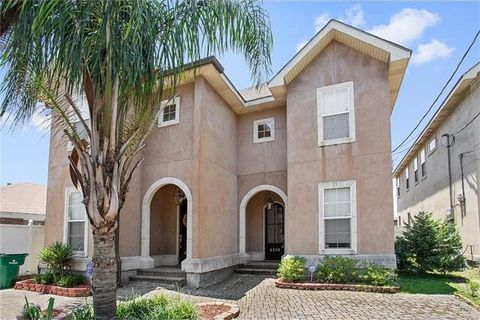 4214 Transcontinental Dr, Metairie, LA 70006