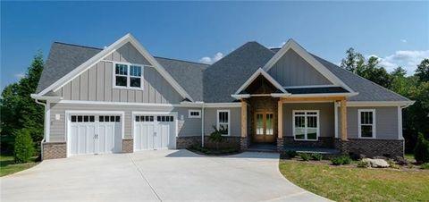 entracing hickory home and garden hickory north carolina. 131 N Shore Dr  Hickory NC 28601 Real Estate Homes for Sale realtor com