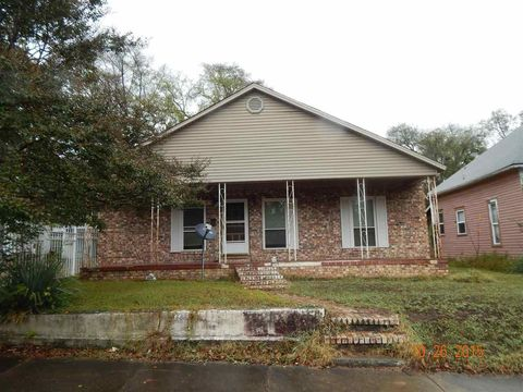 606 Rector St, Hot Springs, AR 71913